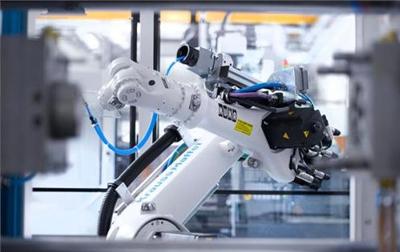 我国今年前三季度新增机器人相关企业超过4.7万家,同比增长56%