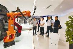 从技术突破到探索 机器人产业正全面加速发展
